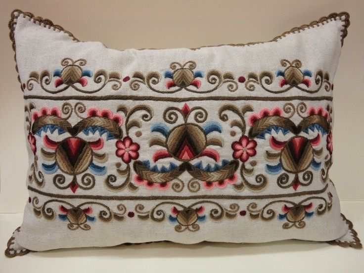 Handmade embroidered kress linen pillow, with pomegranate pattern, 42 x 60 cm, crocheted edge