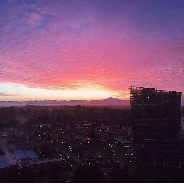 Amazing #sunrise by @fatimabeatty this morning with Mount Baker in the distance  #surreybc… http://ift.tt/1ClKMKT