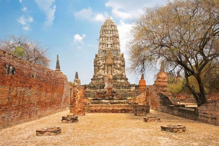 The grand architecture of Thailand's Wat Ratchaburana, a temple established in 1424 by King Boromara... - Photo: Keute/Ullstein Bild/Getty Images