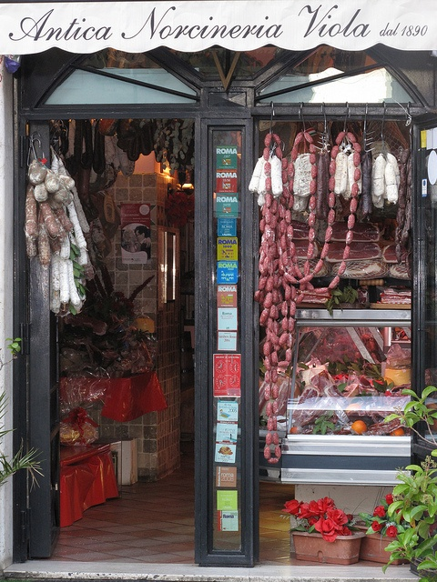 Charcuterie shop in Rome