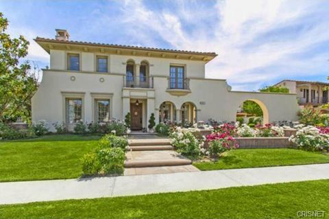 Shanna Moakler is selling off $2.6 million pain in the Calabasas.