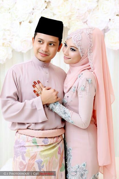 Pink romantic couple