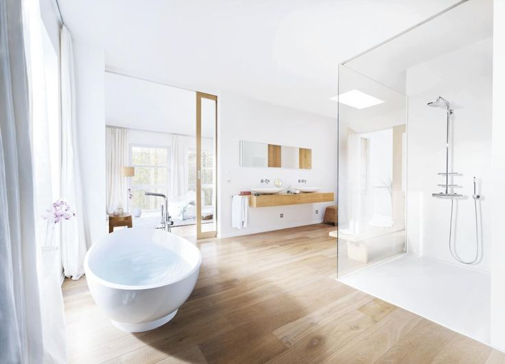 Dynamic, youthful and vibrant, GROHE Atrio collections bring an air of modernity to the bathroom.