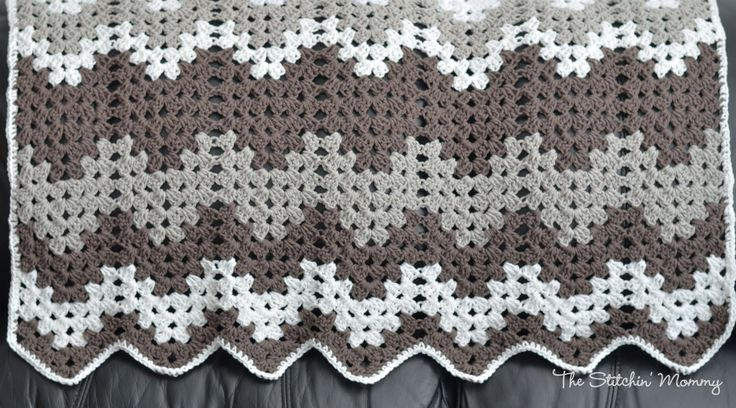 Granny Ripple Baby Afghan www.thestitchinmommy.com #crochet #afghan #baby  free written pattern available