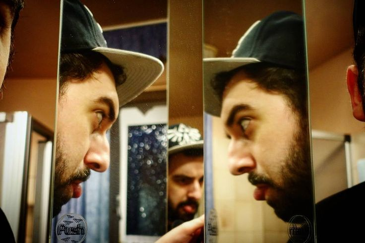 'Artsy Angle' February 24 2017  #vlogdave #youtuber #photography #fotografie #photographer #photographyislife #selfie #me #ich #instapic #snapshot #instagood #instadaily #exploring #explorer #angle #perspective #mirror #spiegel #spiegelung #reflection #reflections #mirrors #bearded #german #guy #germanguy
