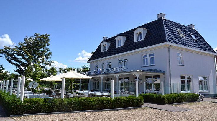 Fletcher Hotel-Restaurant Duinzicht   Het sfeervolle Hotel-Restaurant Duinzicht in Ouddorp bestaat uit een culinair hoogstaand restaurant, een gezellige bistro, een terras, 50 luxe hotelkamers, suites en 5 Duinvilla's.