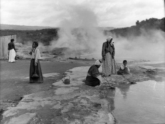 Women preparing food in hot pool, Whakarewarewa ca 1910