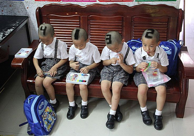 This mom, for example, brilliantly improvised a way to help people tell her quadruplets apart.