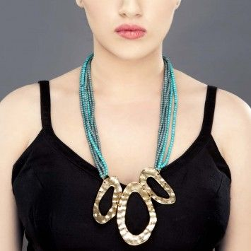 Turquoise Beads Strings Neckline with Gold Plated Pendant
