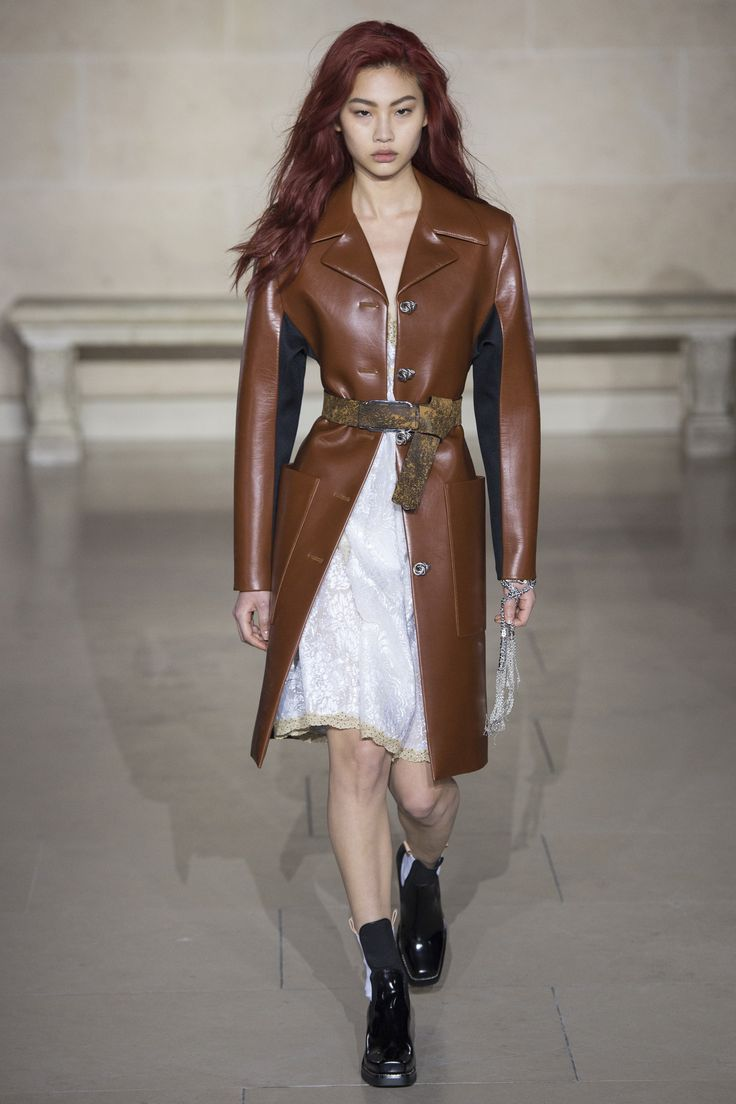 #LouisVuitton  #fashion  #Koshchenets  Louis Vuitton Fall 2017 Ready-to-Wear Collection Photos - Vogue