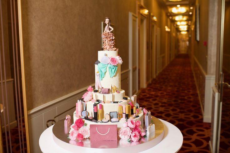 — Праздничный торт