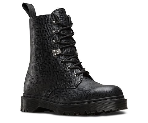 The men's Para Boot is all utilitarian army surplus with a good dose of alt-goth fashion. A thick, chunky Doc sole is topped by solid military style, featuring four gunmetal silver ski hooks—plus a functional inside zip. Best worn with almost everything—as long at it's black. The Men's Para boot is constructed on the Dr. Martens iconic AirWair bouncing sole, that's oil-and-fat resistant with good abrasion and slip resistance—and has been since 1960. The boot is Goodyear welted, meaning the…