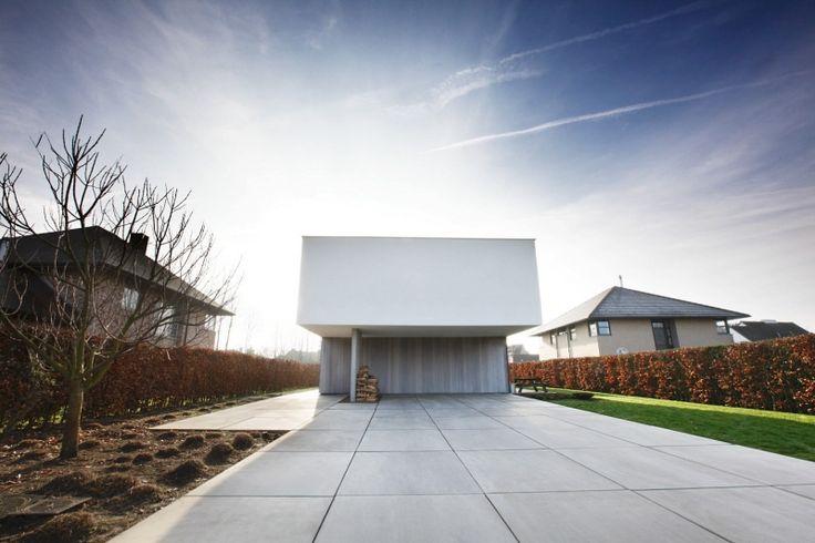 Mega tegels in beton - Deregro - Grond- tuin en afbraakwerken, aanleg opritten en parkings