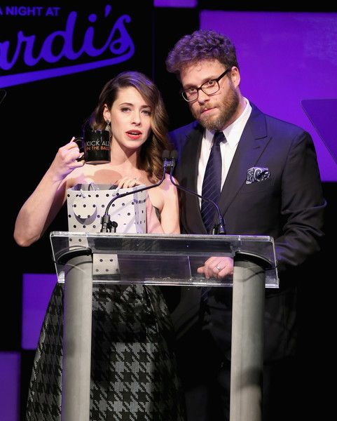 Lauren Miller and Seth Rogen speak at the 2016 Alzheimer's Association event 'A Night at Sardi's.'