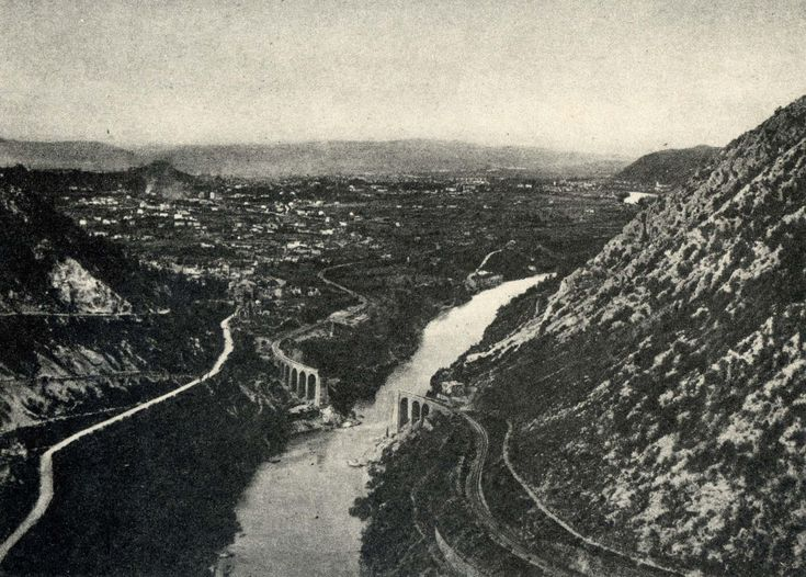 24 MAGGIO 1915: L'ITALIA ENTRA IN GUERRA  Cento anni fa comincia anche per l'Italia la Prima Guerra mondiale.