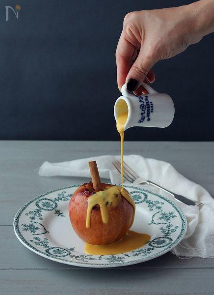 シナモンが香る温かい焼きりんごと、冷たいかぼちゃの濃厚ソースが良く合います!!  オーブンにお任せの簡単レシピです。
