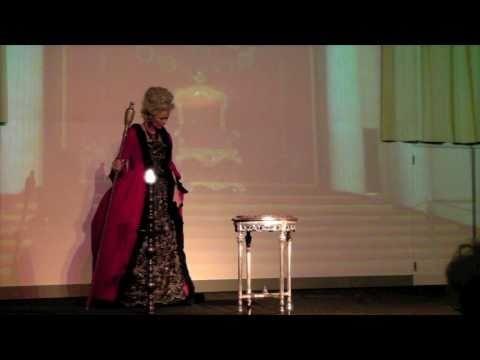 Toneelvoorstelling. Marie-Thérèse ter Haar als Catharina de Grote.
