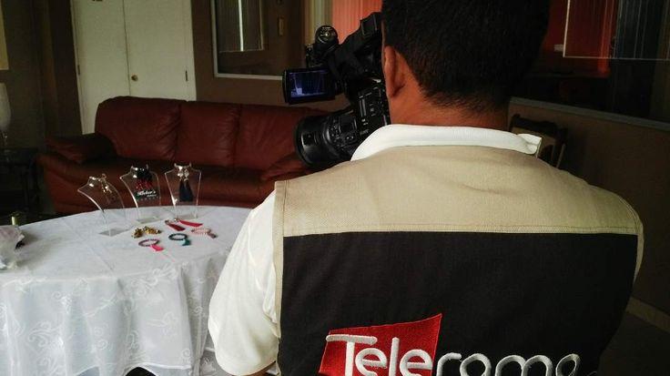 Hoy es viernes de 'flash back fashion' y nos trae esta hermosa experiencia entrevista para el prograka De Mujer donde hablamos sobre la tendencia tassel (borlas) e hicimos video de paso a paso. (link en bio)  Fotografía: @klebersoriano  be DIFFERENT choose an #kk #fashion #moda #fbf #flashbackfashion #tvshow #interview #tassel #trend #bijoux #bisuteria #publicidad #ads #design #designer #emprendedor #Ecuador #estilo #style #accessorios #accessories #marketing #fashionista #photography…