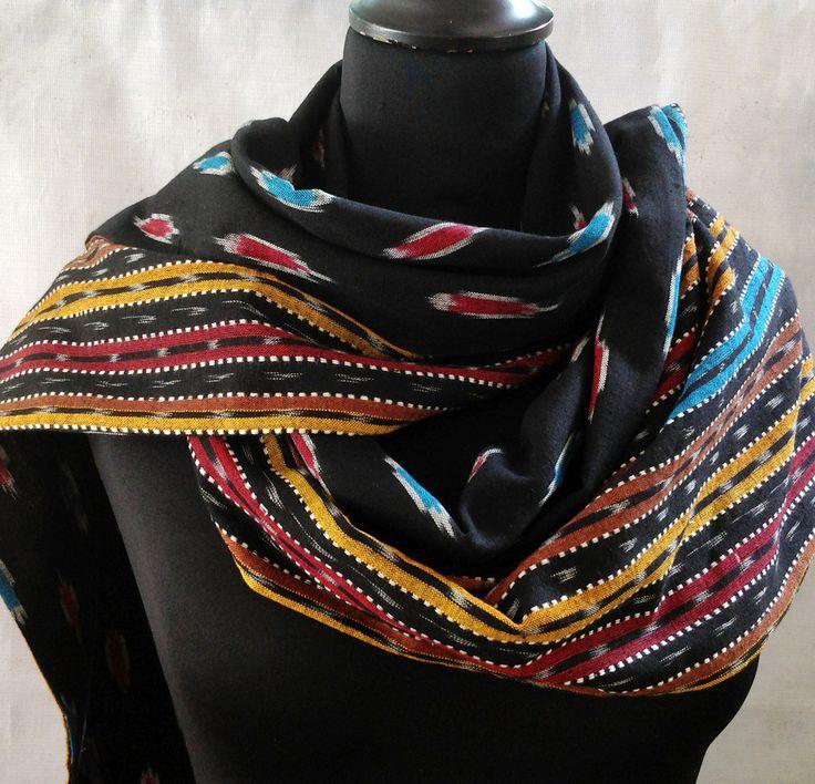 Grande écharpe femme ou homme en coton double motif Ikat bleu, jaune et noir : Echarpe, foulard, cravate par akka-accessoires
