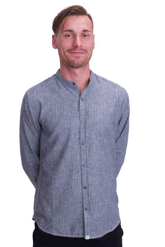 Schmal geschnittenes Hemd Luca mit kleinem Stehkragen aus Hanf- und Bio-Baumwolle Mischung von HempAge bei Kult-Design-Unikate