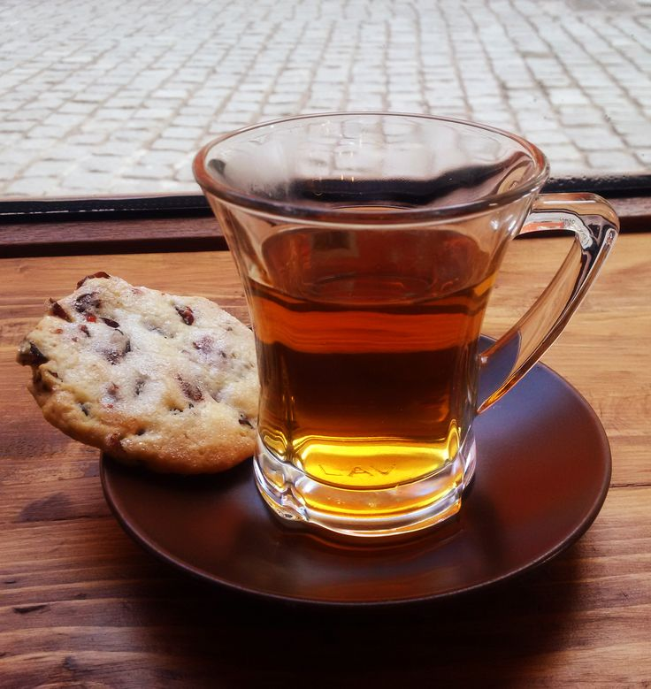 cranberry cookie + tea
