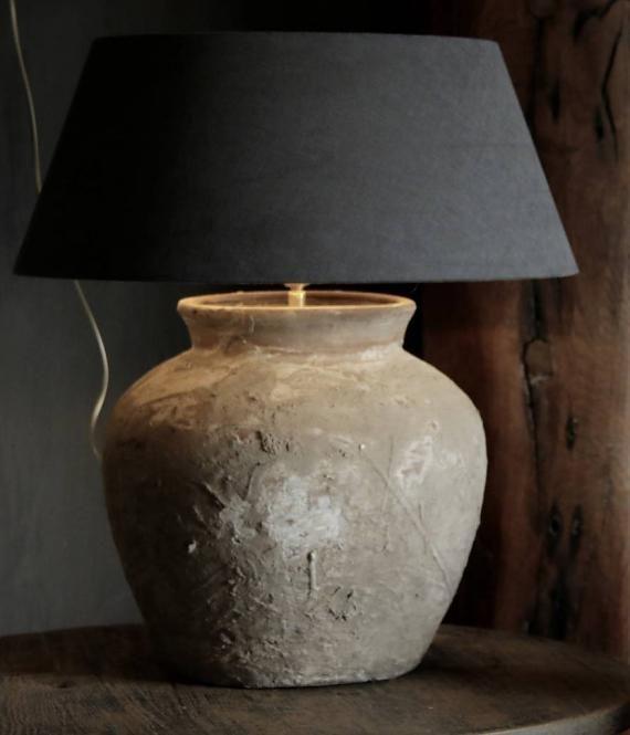 Kruik lamp van oude Water kruik. Leuk een setje van 3 . Verdeeld in de kamer.