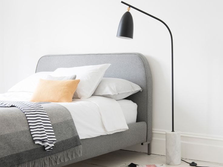 Marv floor lamp in Black with our Hustler bed