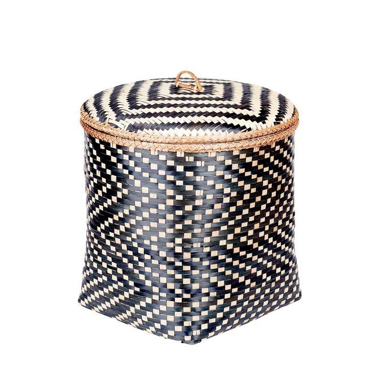 Kosz bambusowy Wiksa'kki M #kosz #koszyk #basket #bambus #bamboo #homemade #manufcture #design #rękodzieło #unique #limitededition #amiou #onemarket.pl
