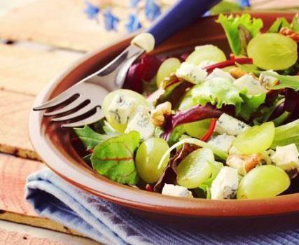 Recept van Salade met kip, druiven en kaas op kids-n-fun.nl