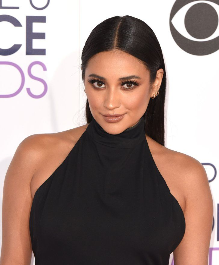Pin for Later: 45 of the Buzziest Celebrity Beauty Campaigns of 2016 Shay Mitchell For Bioré The Pretty Little Liars star will lend her complexion to the iconic skin care brand's upcoming campaigns for its new baking soda cleansers.