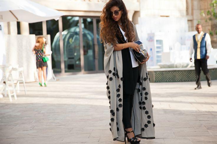 abaya street style dubai