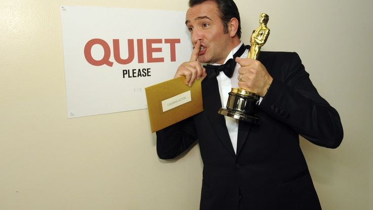 Jean Dujardin backstage at the #Oscars 2012
