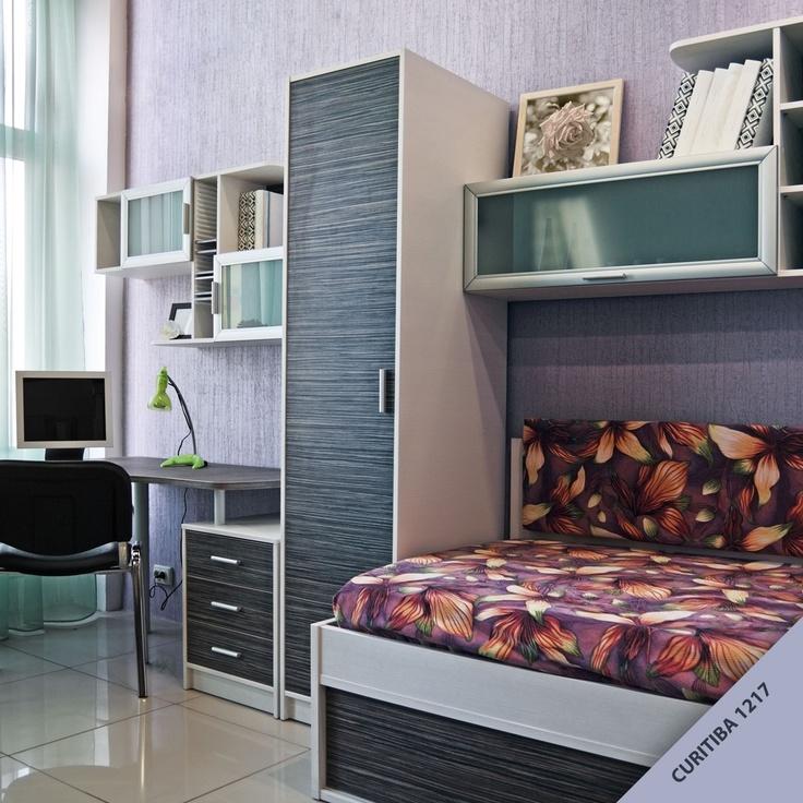 Quarto também pode ter textura na parede! Olha que lindo a combinação dos móveis com a textura Decorato Rústico da Tintas Iquine?