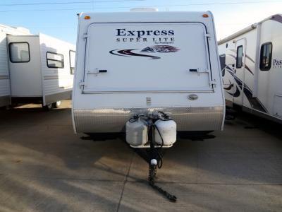 Used 2011 Keystone RV Passport Express SL 160EXP Travel Trailer at Pontiac RV | Pontiac, IL | #413372