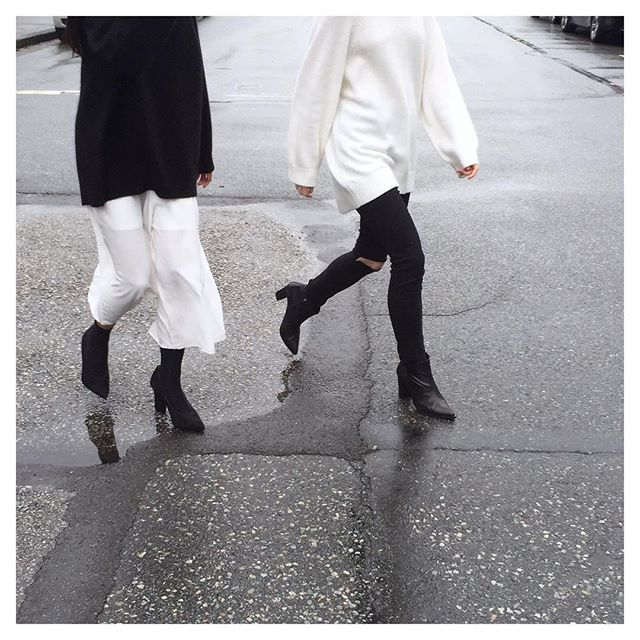 Strolling the city // in Jumpsuit D11 (on left) and Sweater 7166 (on both) #oakandfort
