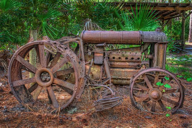 Rusty Old Tractor, via Flickr.  Is this art??  Not sure it's really an old tractor - but love it!!  Possibly more than an old tractor left to rust if it is made up art!!!