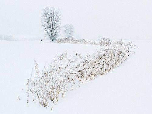 The white calm by Khai Nguyen