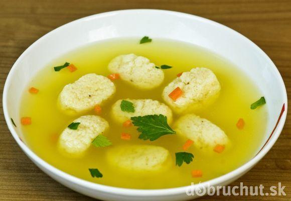 Slepačia polievka s knedličkami
