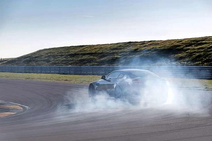 Image for 2017 Aston Martin V12 Vantage S Burnout