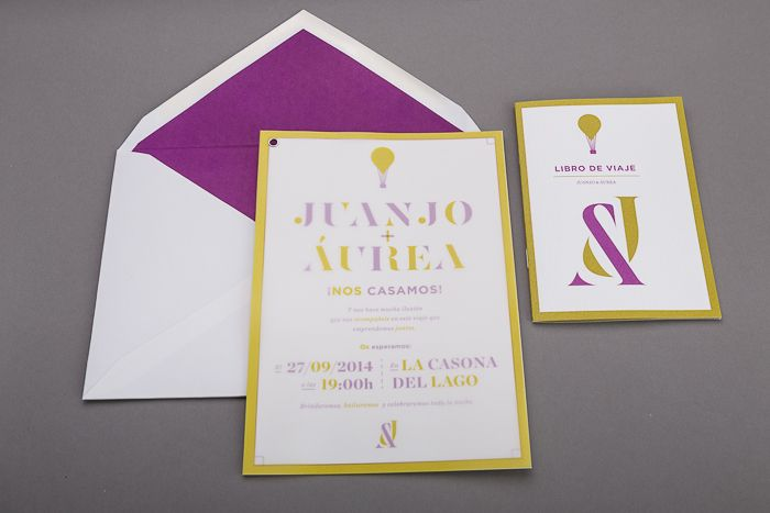 Libro de viaje para la boda de Juanjo y Áurea. #Impresión #offset con tintas directas y digital. #Encuadernación con grapas. #pantone #bookbinding # wedding