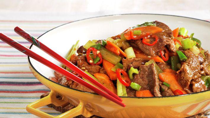 Sterkt, godt og sunt. Det er tre ønsker som kan oppfylles på en og samme gang om du velger å lage en wok inspirert av det Thailandske kjøkken.