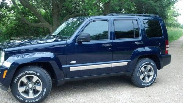 Make Jeep Model Liberty Year 2012 Body Style Suv Exterior