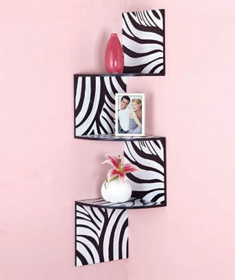 im loving this for my bedroom..and that light powdered pink i am really likeing <3