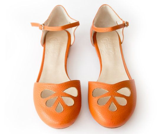 Hey, I found this really awesome Etsy listing at https://www.etsy.com/listing/255071820/orange-pie-sandal-in-orange-leather