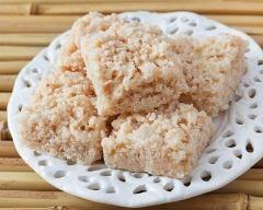 Cocada (biscuit brésilien à la noix de coco) : http://www.cuisineaz.com/recettes/cocada-biscuit-bresilien-a-la-noix-de-coco-83054.aspx