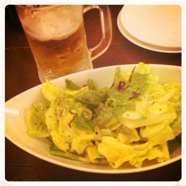 金沢駅前のホテルが全滅…。満室もしくはいつもの倍以上値段設定 結局、金沢城や兼六園の近くに宿泊 夜ご飯はいつもの駅前で - 39件のもぐもぐ - まずは一杯とキャベツ@金沢 by Fumi