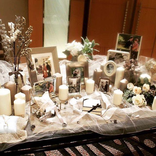 ウェディングフリマ♡ 多数お問い合わせ頂いていたウェルカムスペースのグッズも沢山持って行きます。 写真立て、キャンドル、チュール、リボン、造花などなど。 バーニーズのリングピローもございます。 3階の棚『J』ブースにおりますので、ぜひお立ち寄り下さいませ☺️ #ウェディングフリマ #卒花 #jadorewedding  個別にお問い合わせ頂いていた皆様、ご希望にお応えできず申し訳ありません><...