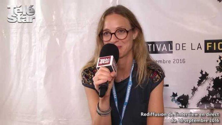 Élodie Frenck a délaissé son costume de Marlène pour répondre à Téléstar.fr. Présente au Festival de La Rochelle, elle se livre à une interview en direct et nous révèle tout sur son rôle dans la deuxième saison Des Petits Meurtres d'Agatha Christie.