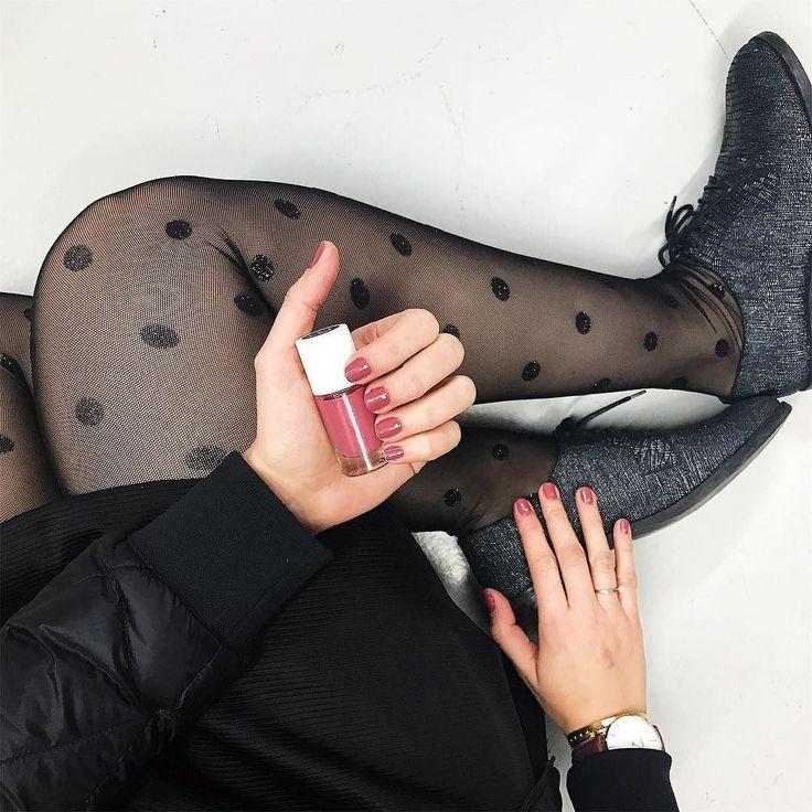 Coco fiesta regram from @clnmdx  #nailmatic #nailpolish #nailaddict #beautynails #instanails #nailstagram #tights #sparkling #dots #fashion #madeinfrance #notoxic #