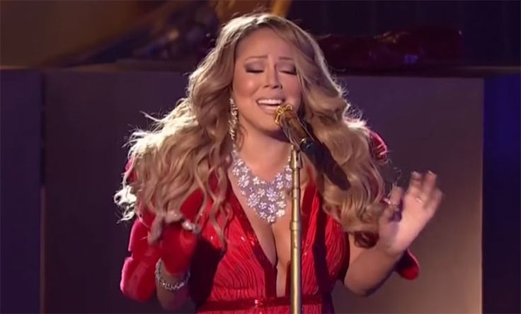 Mariah Carey's tree-lighting performance at the Rockefeller Center was a disappointment two days in a row. First, she missed the pre-taping and then this.